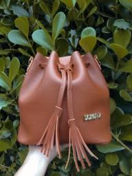 Bolsa modelo saquinho Liatris Bags (novas)