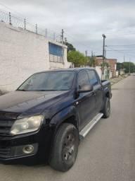 Título do anúncio: Amarok preta diesel manual 4 x 4