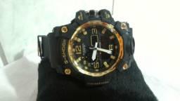 Usado, Relógio Casio G-Shock Mudmaster Preto Detalhes Dourados comprar usado  Palhoça