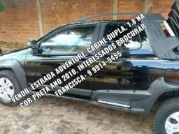 Fiat Strada preta - 2010