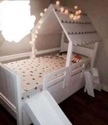 Cama Infantil Criativa com gavetas e escorregador