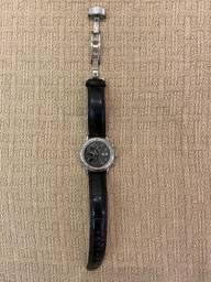 Relógio masculino MontBlanc automático com puseira em couro preta.
