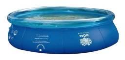 Vendo uma piscina redonda azul semi-Nova de 3.400 litros + 1 Inflador Prático da marca Mor
