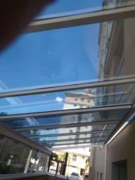 Cobertura de vidro e policarbonato  fixa ou retrátil