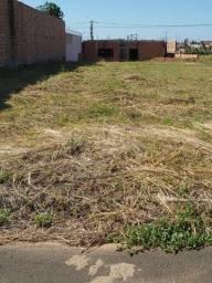 Terreno = Laranjeiras IV