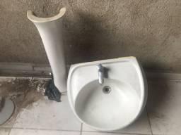 Título do anúncio: Pia de banheiro grande