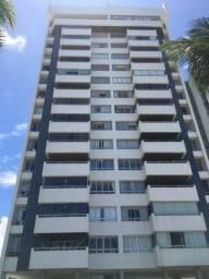 Apartamento na beira mar de Candeias com 150 m2, 3 quartos sendo 1suíte!