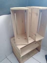 8 Caixotes de madeira
