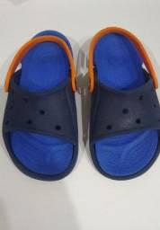Crocs azul claro, pouco usado, tamanho 30/31.
