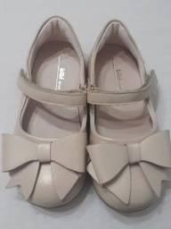 Sapato Marca Bibi - Tamanho 25