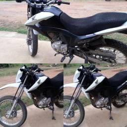 Vende-se essa moto - 2015