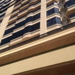 Apartamento com 3 Dormitórios mobíliado em Meia Praia