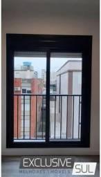 Apartamento central um dormitório em edifício novo com elevador próximo à UCPel