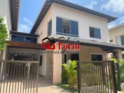 Vende-se Casa 4/4 sendo 3 suites Condomínio Fechado próximo a Praia