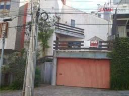 Casa com 4 dormitórios e 2 vagas no bairro Bela Vista