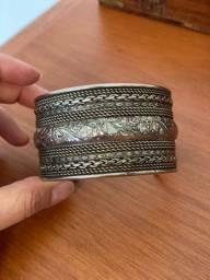 Bracelete ajustável em prata envelhecida tibetana
