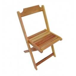 Cadeira dobrável de madeira