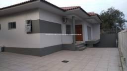 Alugo Casa em Av. no Bairro Igara, para uso comercial ou residencial