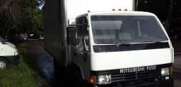 Título do anúncio: Caminhão baú Mitsubishi