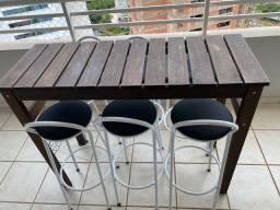 Conjunto mesa e 6 cadeiras