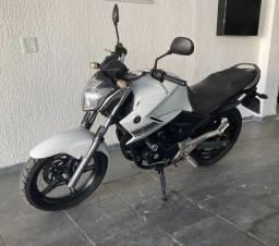 Yamaha Fazer 250<br><br><br>