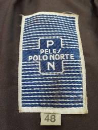 Título do anúncio: Casaco de pele Pólo Norte tamanho 48 com bolsa para viagem e transporte.