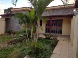 excelente casa de 05 quartos no bairro Salgado Filho