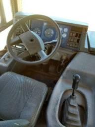 Ônibus VW 17.230 Caio apache