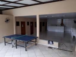 Casa Av. Comercial com piscina adulto e infantil e churrasqueria