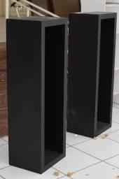 Ninchos / Prateleiras de madeira preta