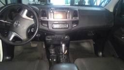 Toyota Hillux srv 2014 diesel aut - 2014