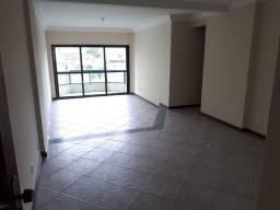 3 dorms com suite e garagem demarcada no Canto do Forte - R$ 2.100