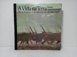 Livro A Vida Na Terra David Attenborough