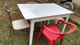 Mesa + 4 cadeiras / Dourados MS
