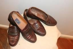 2 Sapatos em Couro Legítimo Tam 42