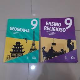 Livros 9 ano e 8 ano de português  colegio Adventista