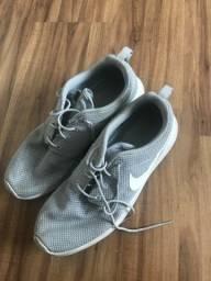 Título do anúncio: Nike Roshe one