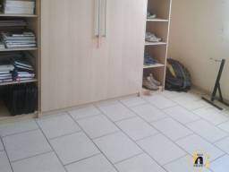 *Flávia* Apartamento no Bairro Cachoeirinha.