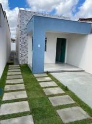 Casa em rua pública, 2\4 suíte, área pra ampliação, bom acabamento.