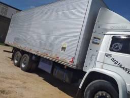 Caminhão 15-180