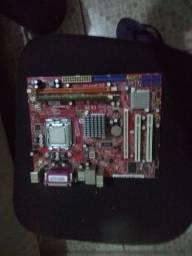Placa mãe + processador + memória RAM + fonte 250w