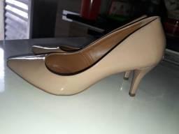 Sapato Nude com Salto N°37