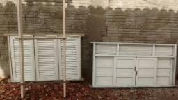 Duas janelas cacha de porta