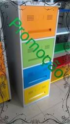 Arquivo com 4 gavetas coloridas