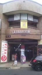 Lojas para alugar no Edifício La Ravardiere na Rua do Passeio no Centro