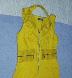 Vestido curto mostarda
