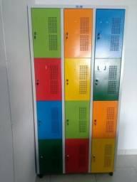 Roupeiro com 12 portas colorido
