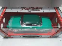 Lincoln Capri 1952 1/18 Roadsignature , produto novo