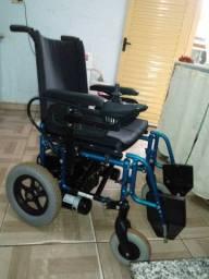 Cadeira de rodas motorizada R$ 6600