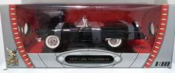 Ford Thunderbird 1/18 Roadsignature , produto novo